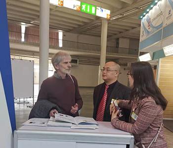 2019捷克布尔诺工业机械展览会-与外国采购商作介绍